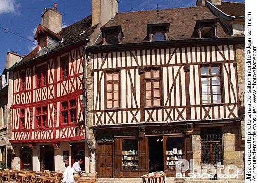 Photo maisons colombage rue de l 39 amiral roussin for Maison en colombage
