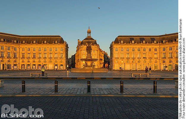Photo : Place de la Bourse, Bordeaux, Gironde (33) - (ref. 170821-003) © Jean Isenmann