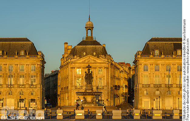 Photo : Place de la Bourse, Bordeaux, Gironde (33) - (ref. 170821-022) © Jean Isenmann