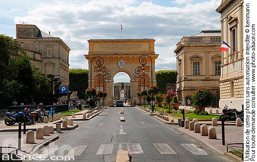 Photo arc de triomphe rue foch montpellier h rault 34 n37674 - Arc de triomphe montpellier ...