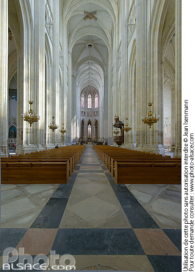 Photo : Nef de la Cathédrale Saint-Pierre et Paul, Nantes, Loire-Atlantique (44) - (ref. 140806-043) © Jean Isenmann
