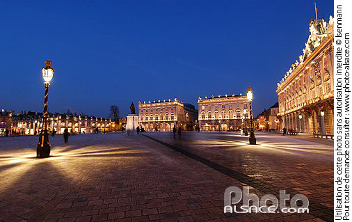 Photo : Illumination de la place Stanislas la nuit, Nancy, Meurthe-et-Moselle (54) - (ref. n25901) © Jean Isenmann