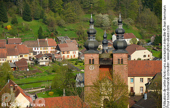 Photo : Eglise priorale Rose d'Or, Saint-Quirin, Moselle (57) - (ref. n69935) © Jean Isenmann