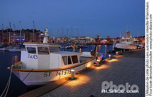 Photo bassin du commerce la nuit quai des hollandais dunkerque nord 59 n29850 - Chambre des commerces dunkerque ...