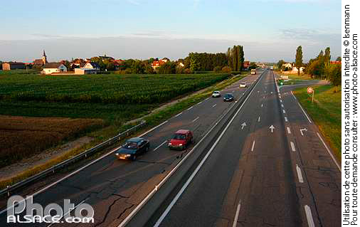 Photo : Route nationale N83, Matzenheim, Bas-Rhin (67) - (ref. n15761) © Jean Isenmann