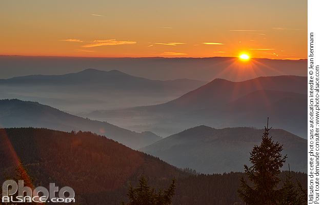 Photo : Sunrise in autumn on the Vosges from Climont