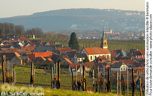 Photo : Vignoble et village de Heiligenstein, Bas-Rhin (67) - (ref. n55108) © Jean Isenmann