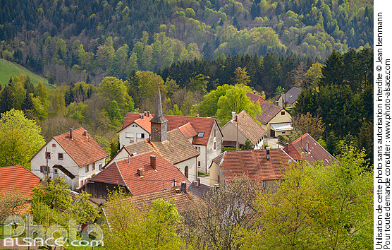 Photo : Village de Belmont, Bas-Rhin (67) - (ref. 140422-003) © Jean Isenmann
