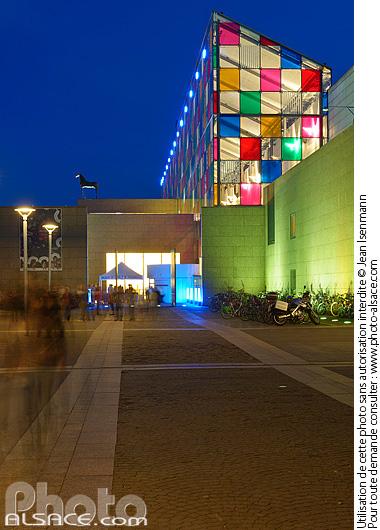 Photo mus e d 39 art moderne et contemporain de strasbourg mamcs la nuit place hans jean arp - Musee d art moderne strasbourg ...