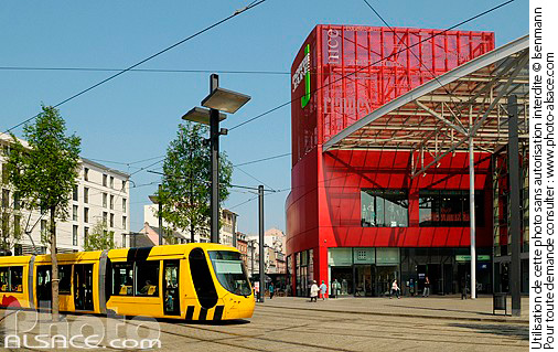 Photo porte jeune boulevard de l 39 europe mulhouse haut for Porte jeune mulhouse