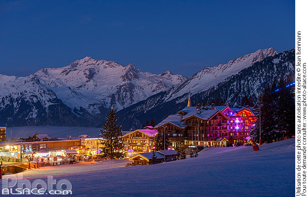Photo : Courchevel 1850 la nuit, Saint-Bon-Tarentaise, Savoie (73) - (ref. 170124-173) © Jean Isenmann