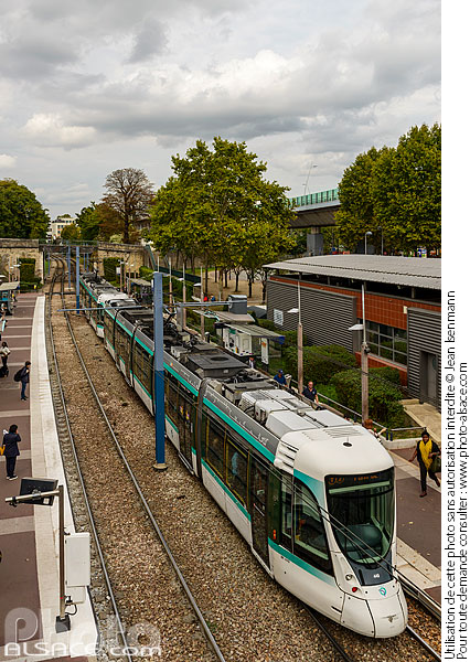 Photo : Station de tramway Parc de Saint-Cloud, Saint-Cloud, Haut-de-Seine (92) - (ref. 170929-087) © Jean Isenmann