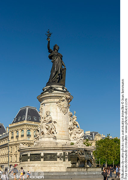Photo : Monument à la République, Place de la République, Paris (75011) - (ref. 180629-022) © Jean Isenmann