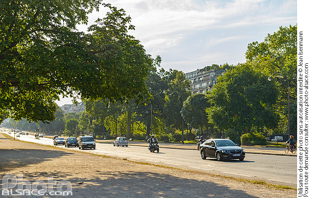 Photo : Avenue Foch (L'avenue Foch est la plus large avenue de la capitale), Paris (75016) - (ref. 180629-108) © Jean Isenmann
