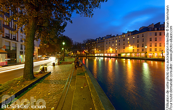 Photo : Canal Saint-Martin la nuit, Paris (75) - (ref. n66754) © Jean Isenmann