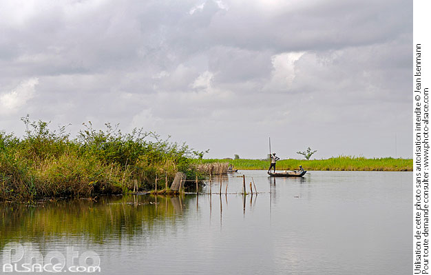 Photo : Entre Véki et Ganvié, Lac Nokoué, So-Ava, Atlantique, Bénin - (ref. n41064) © Jean Isenmann