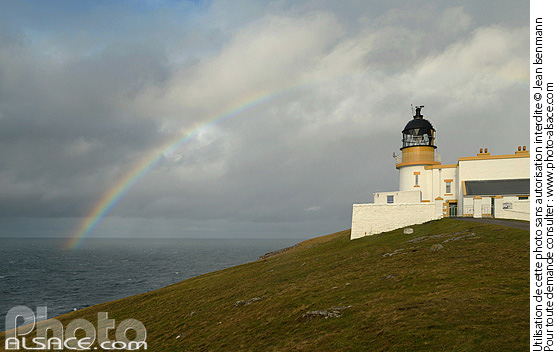 Photo : Point of Stoer lighthouse, North West Sutherland, Highlands, Scotland, United Kingdom - (ref. n39311) © Jean Isenmann