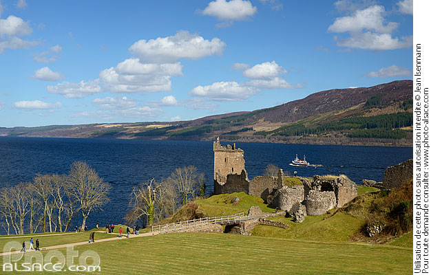 Photo : Château d'Urquhart, Loch Ness, Inverness-shire, Ecosse, Royaume-Uni // Urquhart castle, Loch Ness, Inverness-shire, Highlands, Scotland, United Kingdom - (ref. n69255) © Jean Isenmann