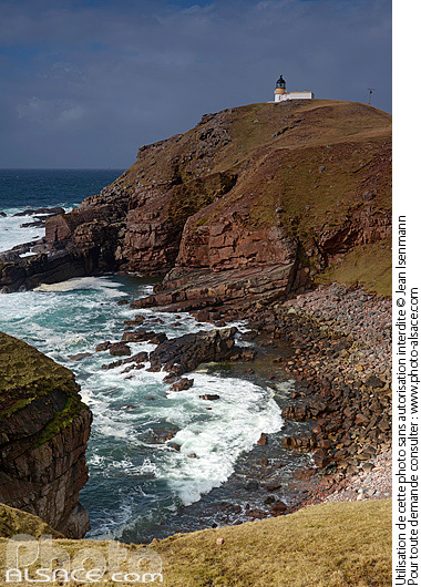 Photo : Point of Stoer lighthouse, North West Sutherland, Highlands, Scotland, United Kingdom - (ref. n69492) © Jean Isenmann