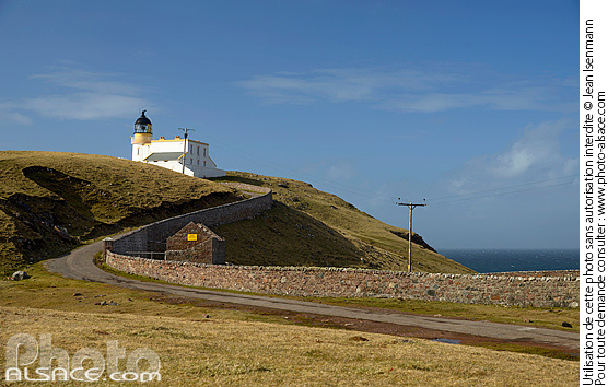 Photo : Point of Stoer lighthouse, North West Sutherland, Highlands, Scotland, United Kingdom - (ref. n69514) © Jean Isenmann