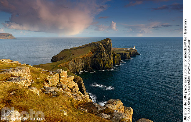 Photo : Neist Point Lighthouse, Isle of Skye, Highlands, Scotland, United Kingdom - (ref. n69727) © Jean Isenmann