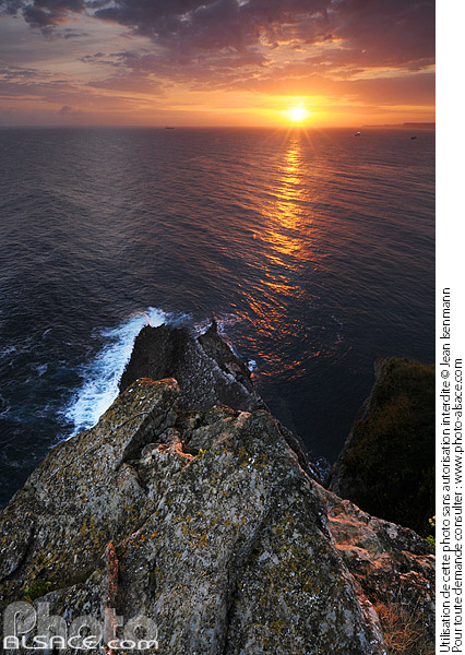 Photo : Lever de soleil, Cabo Mayor, Santander, Cantabria, Spain - (ref. n38106) © Jean Isenmann