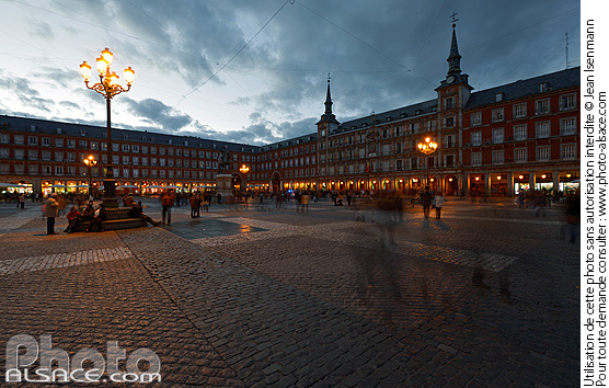 Photo : Plaza Mayor la nuit, Madrid, España - (ref. n67254) © Jean Isenmann