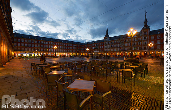 Photo : Plaza Mayor la nuit, Madrid, España - (ref. n67258) © Jean Isenmann