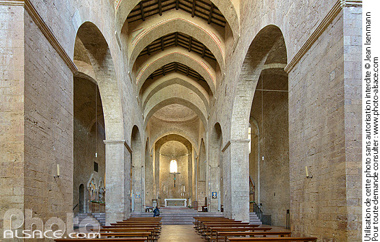Photo : Chiesa di San Pietro, Assise, Ombrie, Italie - (ref. 150819-017) © Jean Isenmann