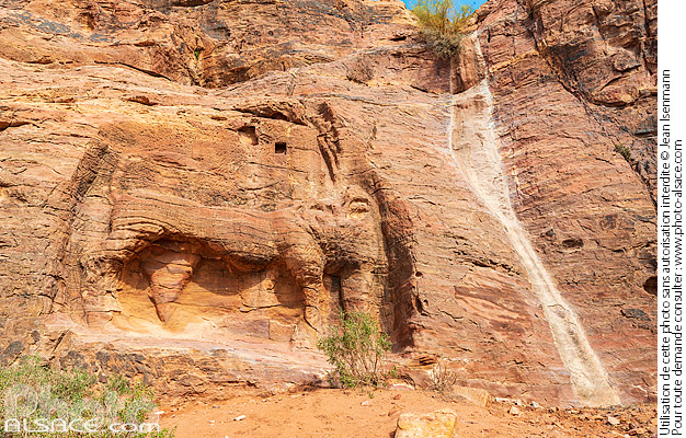 Photo : Fontaine au Lion, Pétra, Ma'an, Jordanie - (ref. 191028-160) © Jean Isenmann