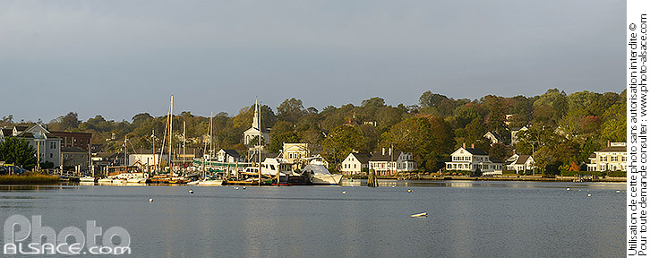 Photo : Mystic River, Mystic, Stonington, Connecticut, Etats-Unis - (ref. 171024-076) © Jean Isenmann