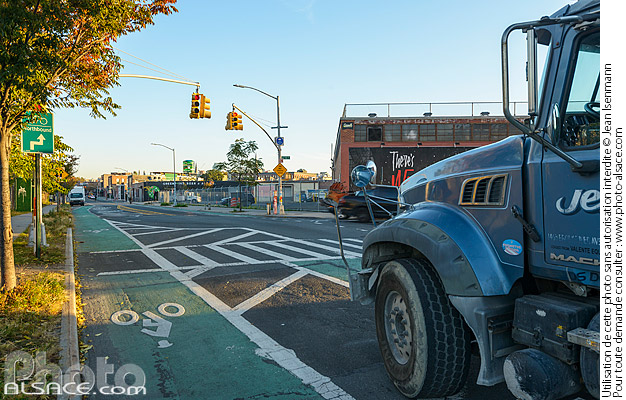 Photo : Franklin Street, Greenpoint, Brooklyn, New York, Etats-Unis - (ref. 171028-059) © Jean Isenmann