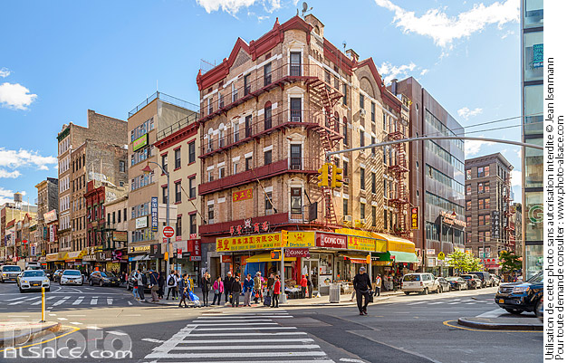 Photo : Chatham Square, Chinatown, Manhattan, New York, Etats-Unis - (ref. 171030-043) © Jean Isenmann
