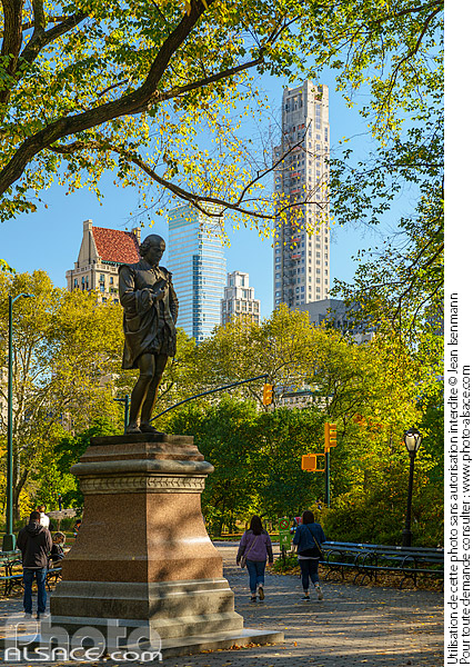 Photo : Statue de William Shakespeare, Central Park, Manhattan, New York, Etats-Unis - (ref. 171030-084) © Jean Isenmann