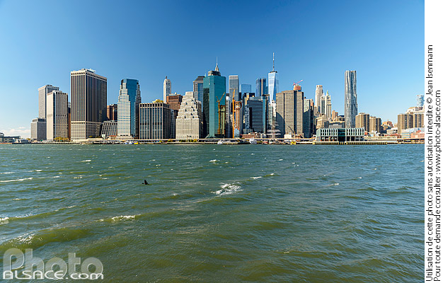 Photo : East River et Financial District depuis Brooklyn Bridge Park, Brooklyn, New York, Etats-Unis - (ref. 171031-109) © Jean Isenmann