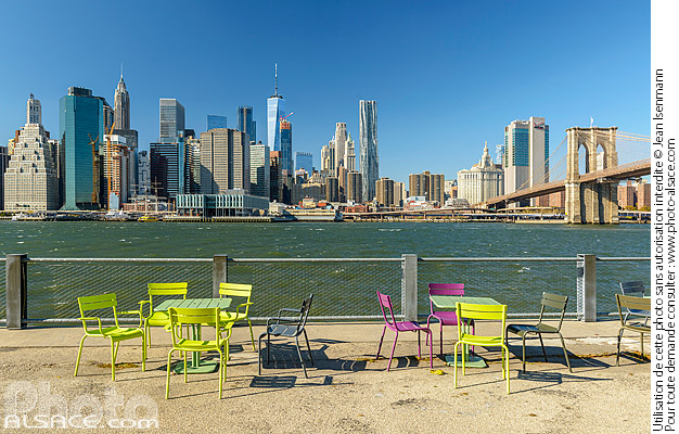 Photo : Brooklyn Bridge Park, East River et Financial District, Brooklyn, New York, Etats-Unis - (ref. 171031-118) © Jean Isenmann