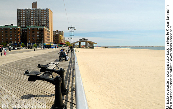 Photo : Brighton Beach Boardwalk, Coney Island, Brooklyn, New York, Etats-Unis - (ref. n62090) © Jean Isenmann
