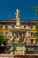 Photo : Fontaine de Neptune, Place Carnot, Carcassonne, Aude (11)