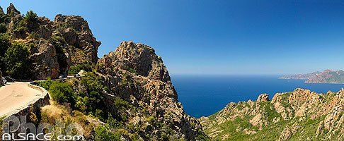 Photo : Route D81 dans les Calanches de Piana, Piana, Corse-du-Sud (2A), Corse, France