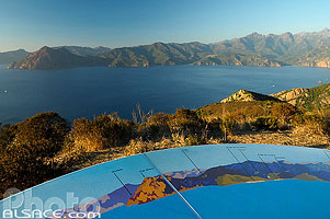 Photo : Table d'orientation et Golfe de Porto, Piana, Corse-du-Sud (2A), Corse, France