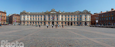 Photo : Place du Capitole, Toulouse, Haute-Garonne (31), Midi-Pyrénées, France
