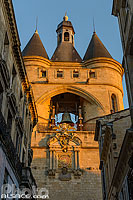Photo : Grosse Cloche (Beffroi de l'ancien hôtel de ville), Rue Saint-James, Bordeaux, Gironde (33)