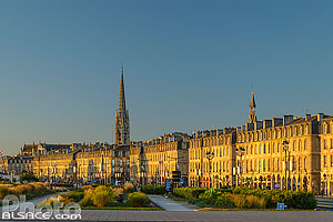 Photo : Quai Richelieu et clocher de la Basilique Saint-Michel, Bordeaux, Gironde (33)