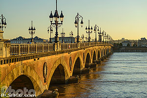 Photo : Pont de Pierre, Bordeaux, Gironde (33)