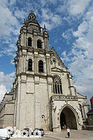Photo : Cathédrale Saint-Louis, Place Saint-Louis, Blois, Loir-et-Cher (41)