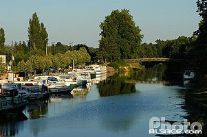 Photo : Port de plaisance, Canal de Nantes à Brest, Blain, Loire-Atlantique (44)