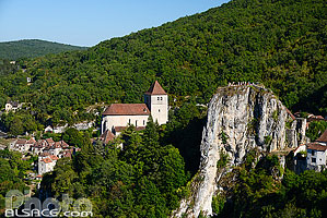 Photo : Saint-Cirq-Lapopie, Parc naturel régional des Causses du Quercy, Lot (46)