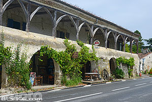 Photo : Les Arcades, Poudenas, Lot-et-Garonne (47), Aquitaine, France