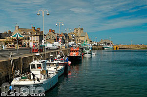 Photo : Quai Henri Chardon, Port de Barfleur, Manche (50)