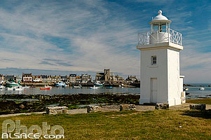 Photo : Phare et port de Barfleur, Manche (50)